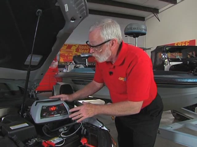 AutoCraft Gold Battery Chargers For All Needs - Advance Auto Parts XC-103 - image 8 from the video