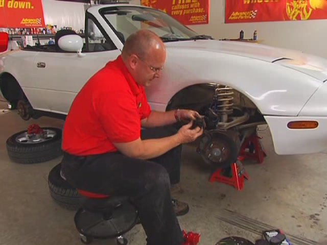 Autocraft Changing Disc Brakes - Advance Auto Parts AC31/CX121 - image 2 from the video