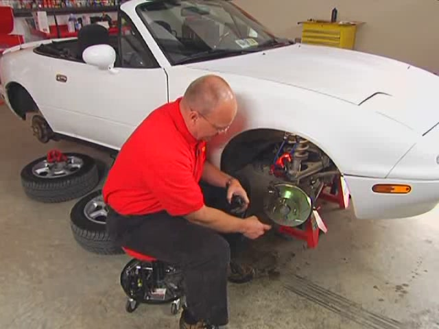 Autocraft Changing Disc Brakes - Advance Auto Parts AC31/CX121 - image 5 from the video
