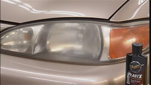 Meguiar's 1-Step Headlight Restoration Kit G1900K - image 9 from the video