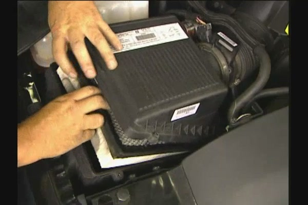 FRAM Installing Air Filters - FRAM and Advance Auto Parts CA6541 - image 5 from the video