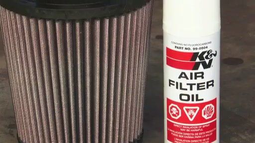 K&N Filter Care Service Kit - Squeeze 99-5050 - image 8 from the video