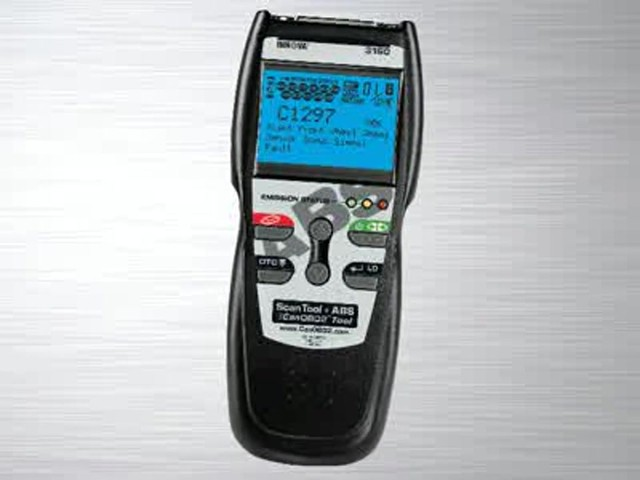 Innova 3160 OBD II CAN ABS SRS Live Data Diagnostic Scan Tool 3160 - image 6 from the video