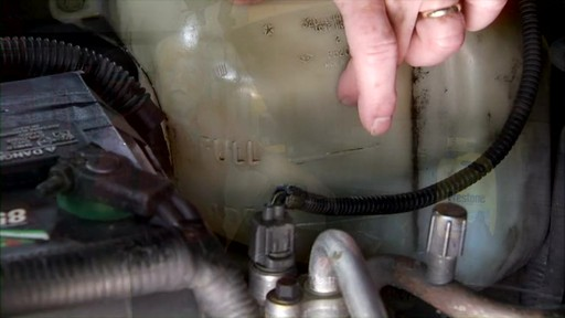 Peak How to check the coolant in your car? PKF0AB - image 1 from the video