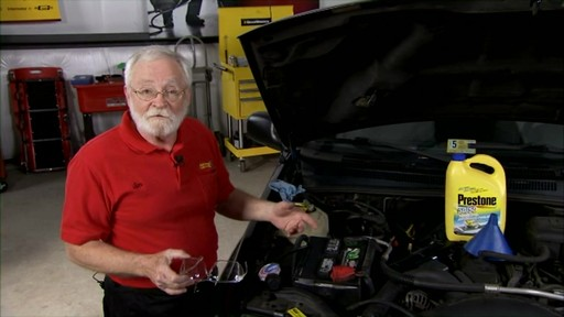 Peak How to check the coolant in your car? PKF0AB - image 2 from the video