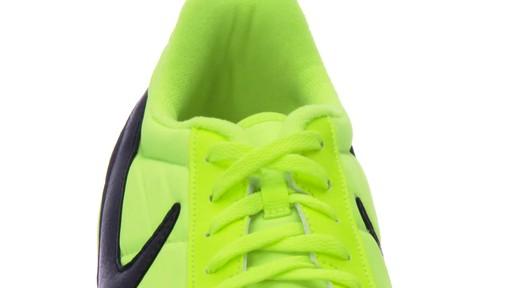 nike davinho indoor soccer shoes