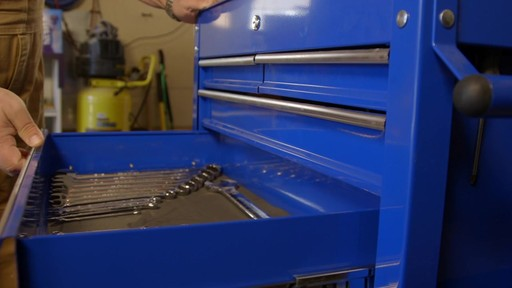 Mastercraft 4-Drawer Mechanics Cart - Lawrence's Testimonial - image 8 from the video
