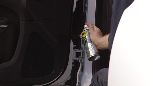 WD-40 Specialist High Performance White Lithium Grease - image 4 from the video