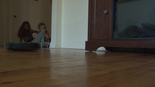 iRobot Roomba 630 Vacuum with Marie-Eve - TESTED Testimonial - image 2 from the video