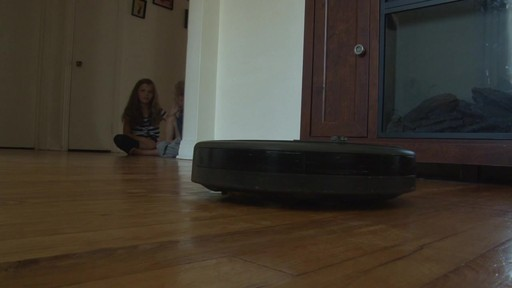 iRobot Roomba 630 Vacuum with Marie-Eve - TESTED Testimonial - image 3 from the video