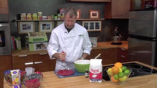 Crushing Fruit - Bernardin - image 4 from the video