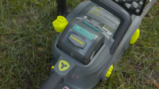Yardworks 40V Brushless Chainsaw, 14-in - image 7 from the video