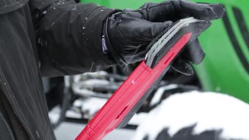 Garant EVA Snowbrush - image 4 from the video