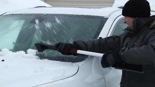 Garant EVA Snowbrush - image 7 from the video