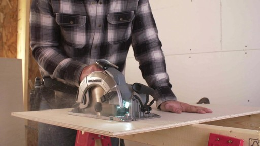 MAXIMUM 15A Circular Saw with E-Brake - image 8 from the video