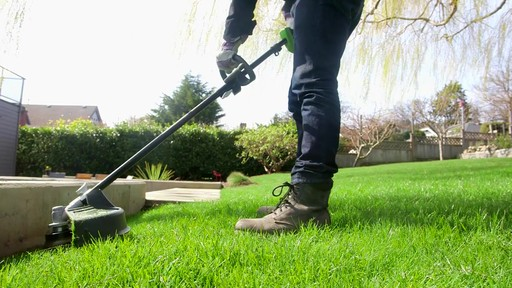 Leighton's Review of the Greenworks 40V Trimmer and Brush Cutter  - image 7 from the video