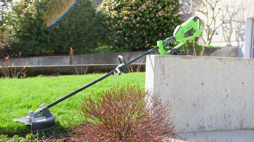 Leighton's Review of the Greenworks 40V Trimmer and Brush Cutter  - image 9 from the video