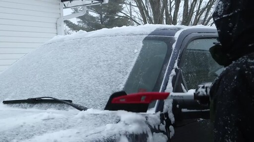 Garant EVA Snowbrush- Ernie Testimonial - image 10 from the video