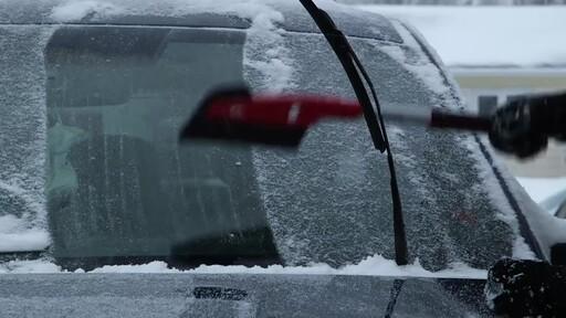 Garant EVA Snowbrush- Ernie Testimonial - image 3 from the video