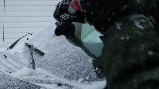 Garant EVA Snowbrush- Ernie Testimonial - image 8 from the video