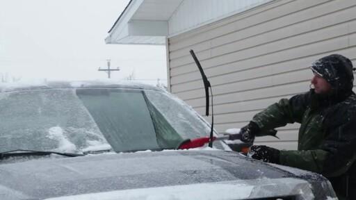 Garant EVA Snowbrush- Ernie Testimonial - image 9 from the video