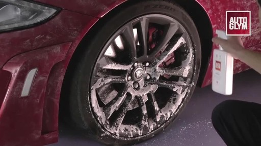 Autoglym Clean Wheels - image 3 from the video