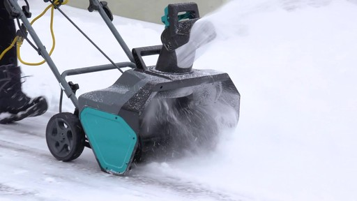 How to Choose a Snowblower - image 6 from the video