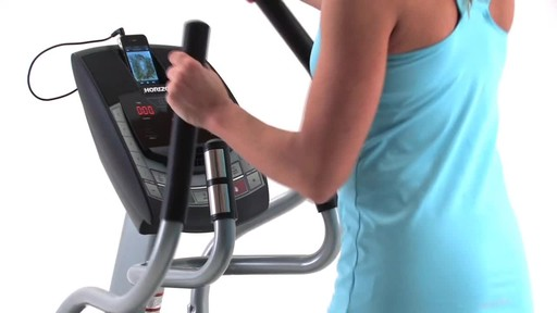 Horizon CE5.2 Elliptical Trainer - image 6 from the video