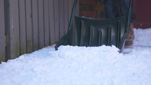 Yardworks Sleigh Shovel, 22-in - image 6 from the video
