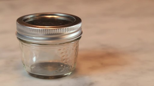 Bernardin Decorative Mason Jar 125 ml - image 4 from the video