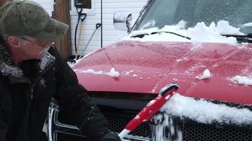 Garant EVA Snowbrush- Charlie Testimonial - image 4 from the video