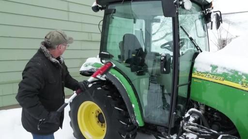 Garant EVA Snowbrush- Charlie Testimonial - image 6 from the video
