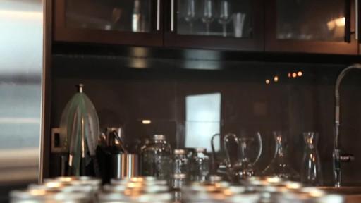 Bernardin Regular 500 ml Mason Jar - image 3 from the video