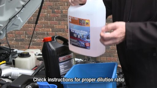 MotoMaster Extended Life Diesel Antifreeze/Coolant - image 2 from the video