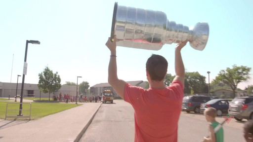 #wannaplay with Jonathan Toews - image 6 from the video