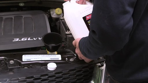 MotoMaster Long-life Premixed Antifreeze/Coolant - image 7 from the video