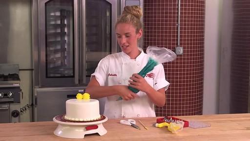 Cake Boss Decorating Buttercream : Cake Boss Decorating Tip - Buttercream Roses   English ...