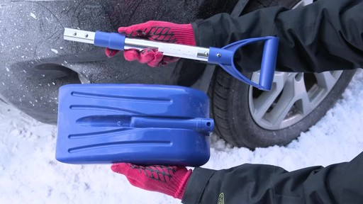Canadian Tire Premium Winter Safety Kit - image 4 from the video