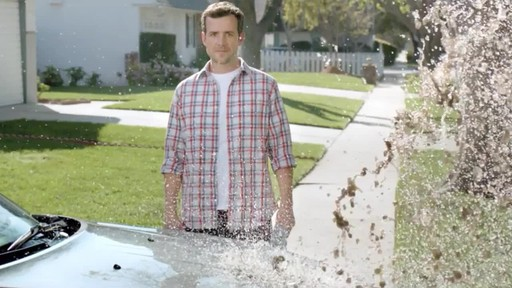 Turtle Wax Ice Commercial - image 3 from the video