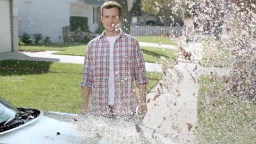 Turtle Wax Ice Commercial - image 4 from the video