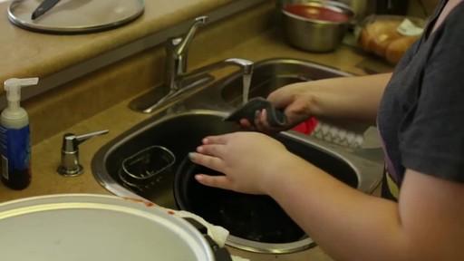 Hamilton Beach Slowcooker - Samantha's Testimonial - image 10 from the video