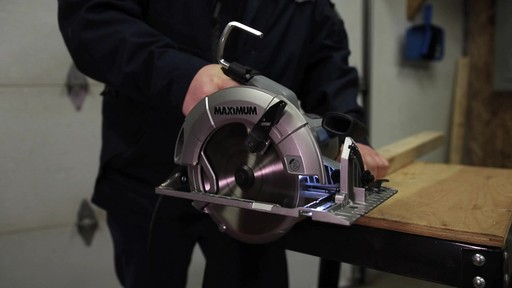 MAXIMUM 15A Circular Saw with E-Brake - Francis' Testimonial - image 9 from the video