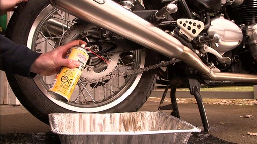 Dupont Chain Saver Lubricant, 11 oz - image 3 from the video