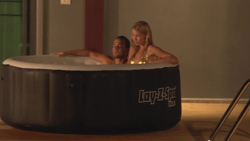 Miami Inflatable Spa - image 3 from the video