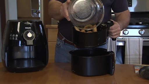 Philips Airfryer - Patrick's Testimonial - image 2 from the video