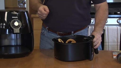 Philips Airfryer - Patrick's Testimonial - image 3 from the video