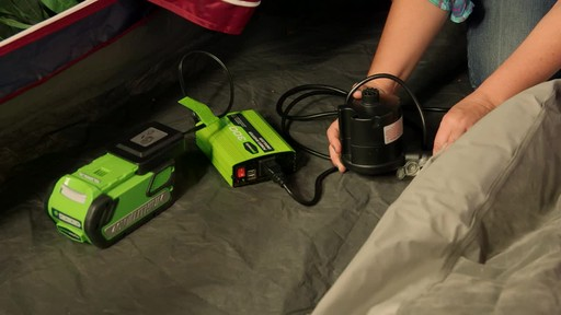 Greenworks 40 V 300W Power Inverter - image 2 from the video