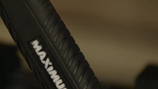 MAXIMUM Framing Hammer - image 2 from the video