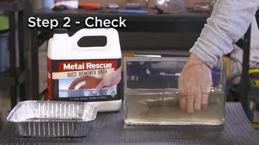 Workshop Hero Metal Rescue Rust Remover Bath - image 5 from the video