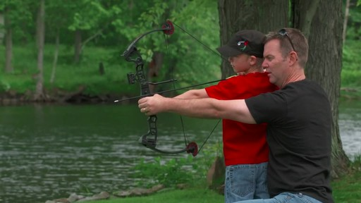 Barnett Vortex Compound Bow - image 6 from the video